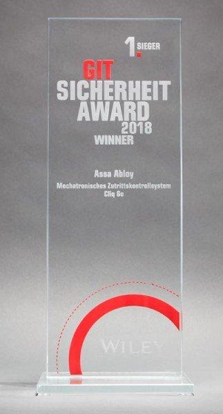 2017-CLIQ-Go-ist-Sieger-beim-GIT-Sicherheit-Award