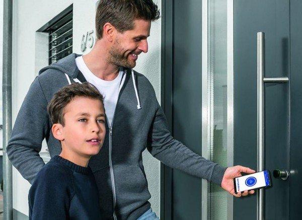 evolo-smart-Zutrittskontrolle-mit-dem-Handy